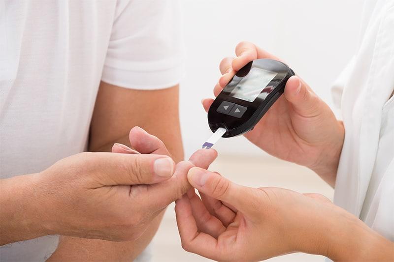 Differenze di accesso alle cure per il diabete: un'indagine Sid