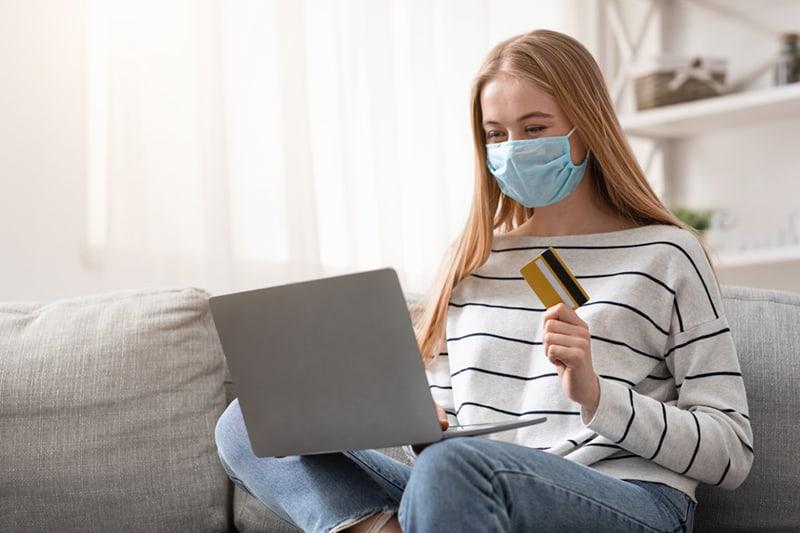 E-commerce, volano le farmacie online: Farmaè registra +100% a marzo