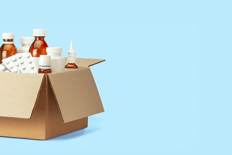 Farmaci, sempre più a domicilio, da Glovo a Amazon Pharmacy