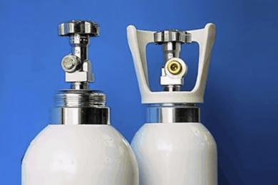 Bombole di ossigeno: non c'è carenza, ma è urgente riportare i vuoti in farmacia