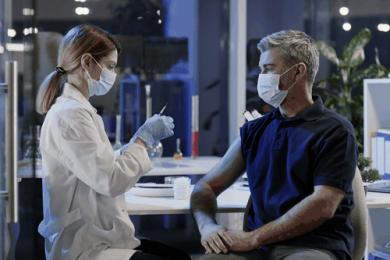 Vaccinazione in farmacia: i farmacisti sono pronti, Hippocrates comincia